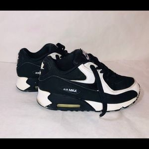 Nike Youth Air Max 90 size 2.5